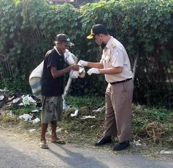 BKIPM Cirebon Peduli Bagikan Menu Buka Puasa