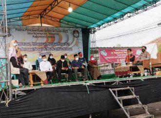Ditengah Gerimis Hujan Jajaran Polsek Kedawung Polres Cirebon Kota, Kawal Tahapan Penetapan 5 Calon Kuwu Desa Astapada
